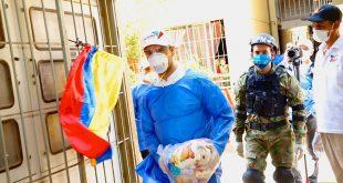 Mello Castro y Luis Monsalvo entregan mercados en Lorenzo Morales