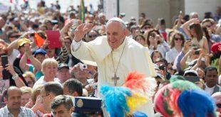 El papa Francisco dona 30 respiradores artificiales