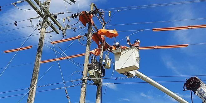 Trabajos eléctricos en El Copey y Algarrobo