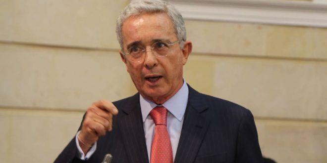 Álvaro Uribe y sus hijos fueron diagnosticados positivos para COVID-19