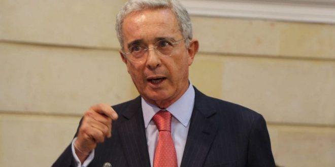 Corte remite a Fiscalía indagación 45110 contra exsenador Álvaro Uribe