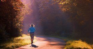 Científicos calculan cuánto ejercicio se necesita para contrarrestar un día de estar sentado