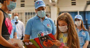 Con entrega de libros puerta a puerta en Valledupar, arrancó el programa «Mi barrio es una biblioteca»
