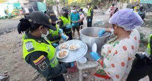 La Policía Nacional lidera espaguetada para las familias de la margen derecha del río Guatapurí
