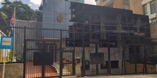 Colombia expulsa a un diplomático cubano