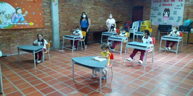 Cenit benefició a más de 3.500 niñas, niños y adolescentes de La Gloria, Cesar, con dotación escolar