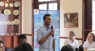 Comienza entrega de incentivos de Jóvenes en Acción